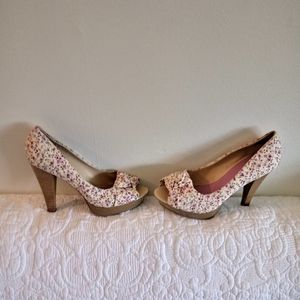 Unlisted floral heels